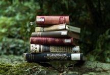 Books<3 / by Savannah Atkinson