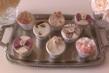 Old Hollywood Bachelorette Party Inspiration Challenge / Inspiration for Cupcakes / by Cake Central