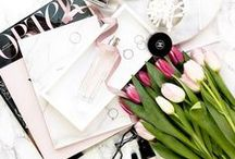 Photography Inspiration / Beautiful photography - perfectly-structured flatlays - blog photo prop ideas