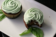 Cupcakes! (and other baking treasures) / by Jenn Clifford