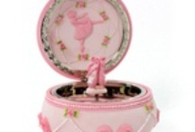 MUSIC BOXES / by Jacqui Ihde