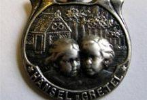 Fairy Tales & Nursery Rhymes - Vintage Charms & Bracelets / Vintage silver or enamel fairy tale or Children's stories and nursery rhymes bracelet charms