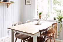 Eclectic Cottage / Crisp country interiors.