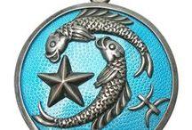 Vintage Charms - Zodiac & Astrology / Vintage Gold, Silver & Enamel Zodiac Jewelry, Charms & Pendants. Aries, Taurus, Gemini, Cancer, Leo, Virgo, Libra, Scorpio, Sagittarius, Capricorn, Aquarius, Pisces.