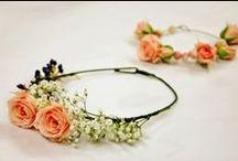 Novias | Coronas de flores / Delicadas y diferentes, son el complemento perfecto para completar tu estilismo en una boda. Tanto para novias como para invitadas!