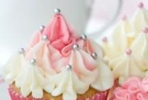 Sweet Things - Cupcakes / by Stephanie Crump