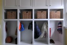 Mudroom Decorating Ideas / Organizing Ideas for a Mudroom | Mudroom Decorating Ideas | Mudroom Ideas | Entryway Decorating Ideas | http://mylifefromhome.com/