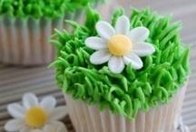 Dainty Cup Cakes / by Monisha Sharma