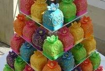 cupcakes / by Esther Paz Alvarado