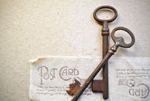 Vintage Inspiration / Vintage style home decor, french inspired. Ideas for decorating, retro postcards, rustic skeleton keys, vintage style jewelry.