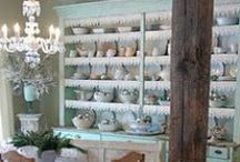 Let's Decorate a Dining Room / by LaurieAnna's Vintage Home