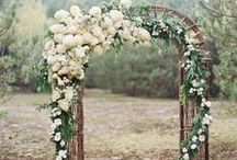 gettin' hitched. ceremony. / vows + ceremony + ceremony decor + set up
