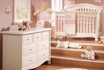 Nursery Sets / Complete your nursery look easily with these stylish sets.
