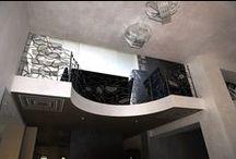 Кованый балкон со стеклянными вставками. / Николина Гора. Московская область, Одинцовский район.