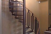 Винтовая лестница / Заключительная часть работы на данном объекте - винтовая лестница в тренажерный зал. По желанию клиентки, на ступени не стали класть дерево или камень, так как передвигаться по лестнице предполагается только в спортивной обуви. Никаких каблуков).