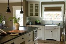 Kitchen and Dining Room Desing / Cook / Food / Prepare Food / Country Kitchen / Shabby Chic / Usable Kitchen / Eat / Table / Farmhouse