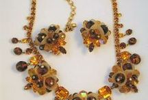 Vintage Jewelry for the Fall Season / Indulge in vintage for the Fall  Season!
