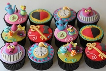 Cupcake and Cakepop Ideas / by Lorie M