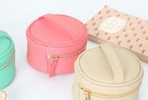 Bags purses and suitcases / by Giuliedda