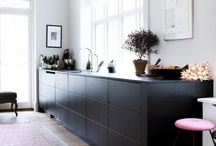 • KITCHENS • / Et køkken er ikke blot et køkken. Forskellige stilarter skaber forskellige stemning. Er du til moderne, romantisk, landligt, rustikt eller klassisk? Køkkenerne er fundet blandt boliger til salg på www.robinhus.dk. / by RobinHus