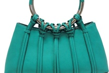 Des Sacs ! / Des sacs à main pour tous les jours, pour le week-end, pour une soirée, pour y mettre son iPad... ou pour y glisser les petits accessoires de beauté de MonMiroirsDeSac ;)