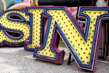 Neon Signs - Vegas / Neon Sings In Las Vegas