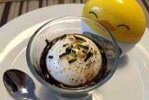 Frühstücksei // Eggs / Eier in jeder Form zum Frühstück: knusprige Spiegeleier, cremiges Rührei, Omelette, Eggs Benedict, Eier im Glas, frittierte Eier, pochierte Eier, Onsen Tamago, Tamagoyaki, ....
