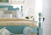 Bedroom Decor / Bedroom decorating.
