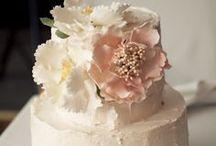 Cut the Cake / Sweeten up the night with these delicious AND beautiful cakes / by Wedding Day Diamonds