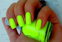 nail designs! / by Holly Desrosiers
