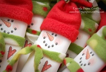 .h.o.l.i.d.a.y.c.r.a.f.t.s. / cute little crafts to make for the holidays / by Anna Decarlo