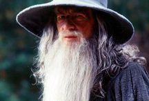 J.R.R. Tolkien / All things Tolkien, from the Silmarillion to Roverandom.