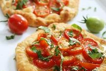 Pizza / Pizza Recipes, Pizza Dough Recipes and Recipes for Flatbreads, Stromboli, Calzone, Pepperoni Rolls, Garlic Rolls, and Flat Breads. For more Italian recipe ideas please visit our Pinterest Boards: Homemade Sauce Recipes and Pasta Recipes. ♥~~~~ Unless noted - each pin should link to a pizza recipe. If you find a pin that has a broken link - please leave a comment and I'll pull it! Thank you for your help! ~~~~♥