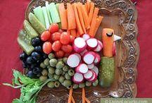 Thanksgiving Parties / Thanksgiving Parties - Thanksgiving DIY holiday and party ideas. Thanksgiving crafts. Thanksgiving recipes.