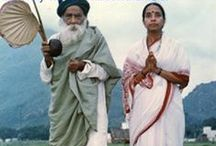 Ma Devaki of Yogi Ramsuratkumar Ashram / Ma Devaki of Yogi Ramsuratkumar ashram guides the disciples of Bhagvan Yogi Ram Surat Kumar