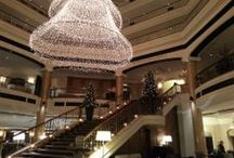 Christmas dekoration The Westin Grand Berlin  / See our beautiful atrium even more beautiful during christmas time. A lighted tree floats in the atrium over the famous grand staircase and welcomes you with a warm and cozy feeling.