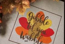 Fall and Thanksgiving needlepoint / Needlepoint to stitch for Thanksgiving and with rich fall colors.
