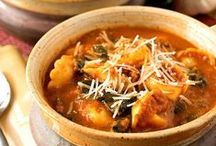 ~ Hearty Soups, Stews and Chilis ~ / The Best Soups, Stews and Chili Recipes from your Favorite Food Bloggers!