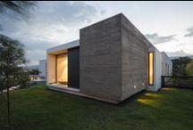 Architecture - Housing / by Priscila Jansen