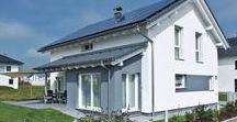 Energieeffizientes Kundenhaus / Mit dem Konzept PlusEnergie gewinnt dieses WeberHaus mehr Energie, als es braucht.  Die hochdämmende Außenwand ÖvoNatur-Therm in Verbindung mit einer Luft/Luft Wärmepumpe als Heiztechnik ist die Grundlage des hervorragenden Energiestandards, das dadurch einem KfW-Effizienzhaus 40 entspricht.