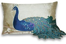 For the Love of Peacocks / Peacocks are trendy, so here are ways to display these gorgeous creatures in your home