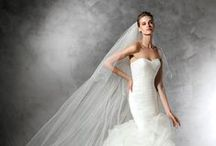Pronovias / Pronovias is an internationally renowned bridal design house that dresses the dreams of fashionable women around the world.