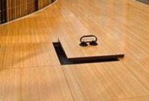 PLANCHER TECHNIQUE /  Le plancher  technique surélevé PETRAL  est un système de dalles modulaires qui appuient sur une structure de support réglable en hauteur. Ce système permet de créer sous le plancher un compartiment technique utile pour le passage des installations.