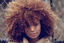Curly Hair / by Daylane Cerqueira