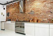 Kitchens & brick walls / Kitchens with exposed brick walls /  cocinas con paredes de ladrillos vistos