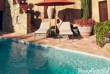 Pools & terracotta floor tiles / Pools with terracotta floor tiles / Piscinas con suelos de barro