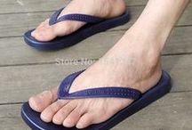 asiatische Männerfüße
