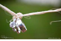 Wedding Bells / by Hanna Kirsten