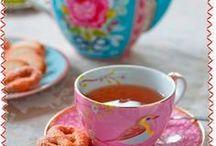 coff coff & chocolaTE...A:} / cuando el agua se mezcla con los colores, el dibujo penetra en nuestros sentidos y damos un pequeno sorbo de alegria