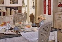 Kitchen / by Cherrie McCartney